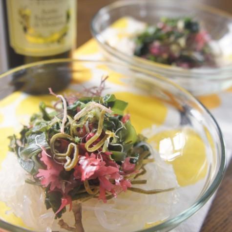 海藻と糸こんにゃくのバルサミコサラダ