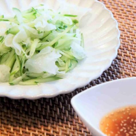 きゅうりと白きくらげの柚子胡椒サラダ