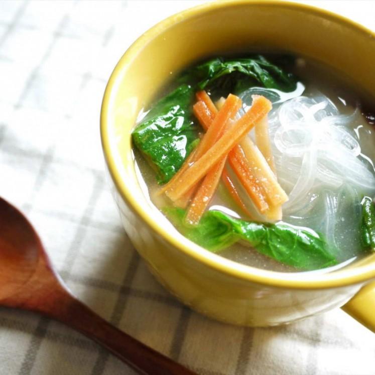 野菜と春雨の白ごまスープ