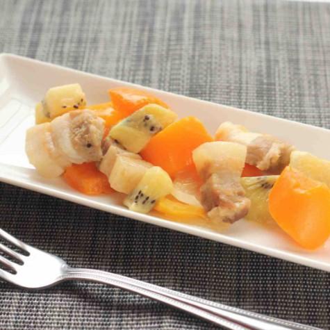 豚肉とキウイフルーツのコロコロ酢豚