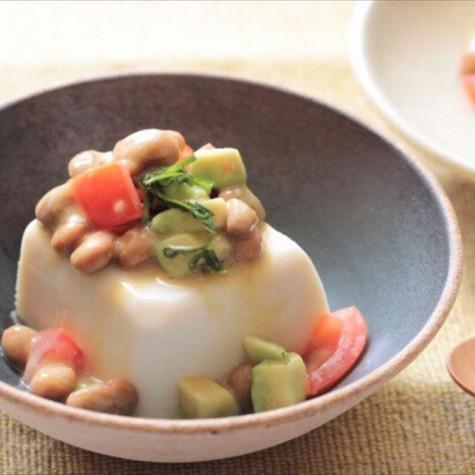 納豆とトマトの冷ややっこ