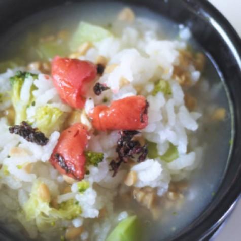 ブロッコリーと納豆のおかゆ