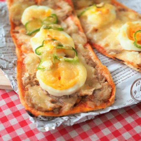 ツナと卵の油揚げピザ