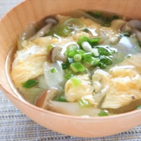 ネギとキノコのふんわり卵スープ