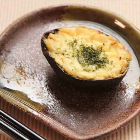 アボカドと豆腐のチーズグラタン