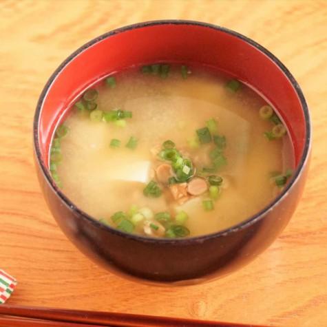 豆腐入り納豆汁