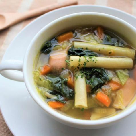 炒め野菜のマカロニスープ