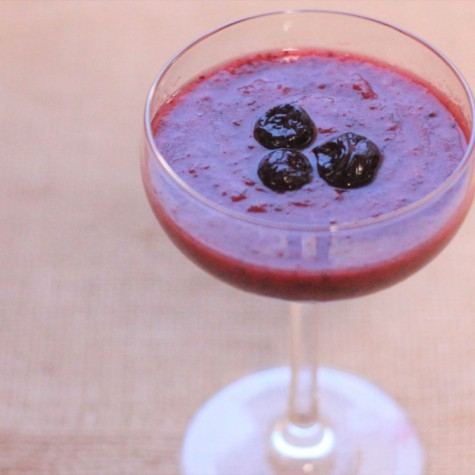 トマトとブルーベリーのヨーグルトジュース