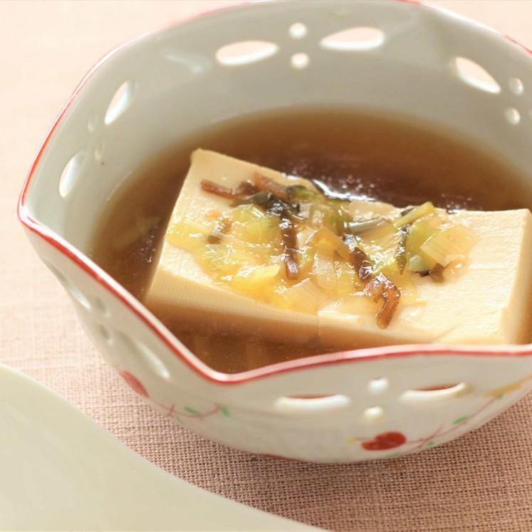 昆布とネギのあんかけ豆腐