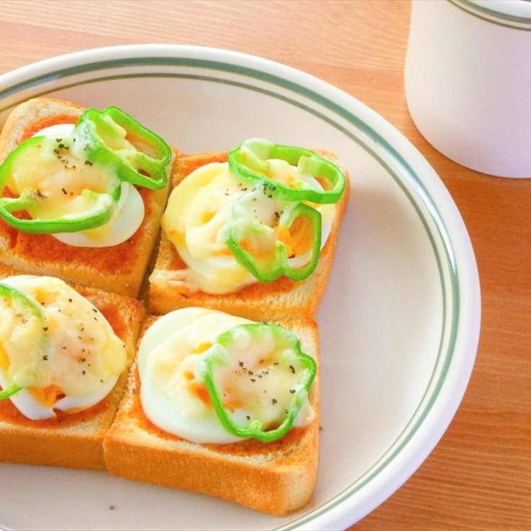 ゆで卵のピザトースト