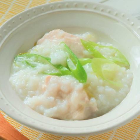 鶏肉の煮込みスープ粥