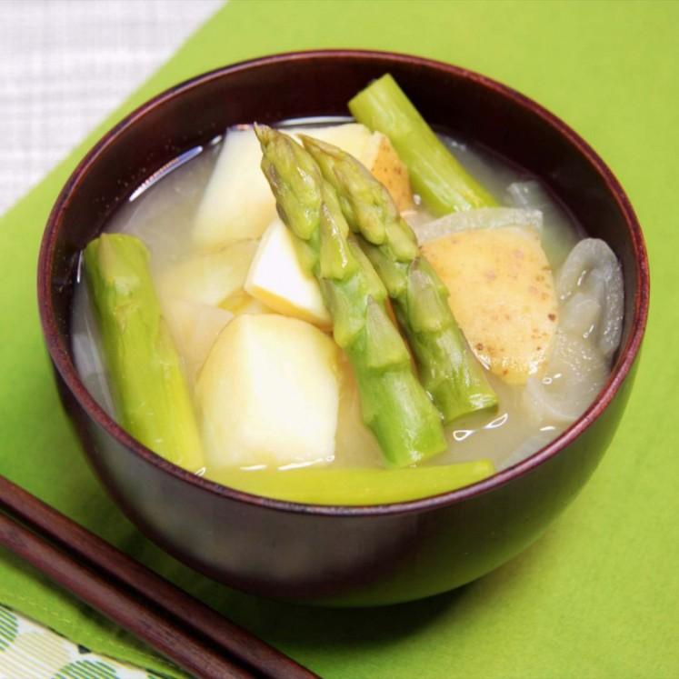 春野菜のじゃがバター風味噌汁